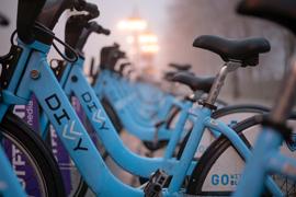 Hyrcykelsystem kan förstärka kollektivtrafiken. Foto: Mariusz Pierog / Unsplash