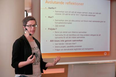 Karolina Isaksson är forskare på K2. Här presenterar hon sitt forskningsprojekt inom samverkan. Foto: Johanna Stenius