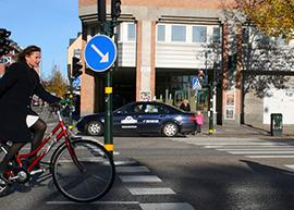 Cyklingen minskar i Sverige. En anledning kan vara att det är svårt att identifierar faktorer som är kritiska för valet att cykla.