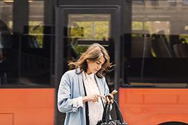Integrerade mobilitetstjänster ska studeras för att underlätta tjänsteresandet  Foto: Maskot / TT