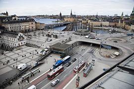 Biltrafik är fortfarande normen i planeringen, men det skulle kunna göras annorlunda Foto: TT Nyhetsbyrån