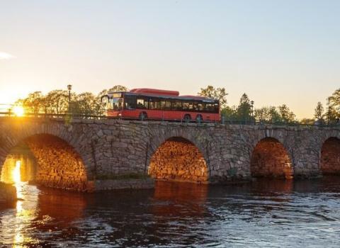 Buss på bro över Klarälven